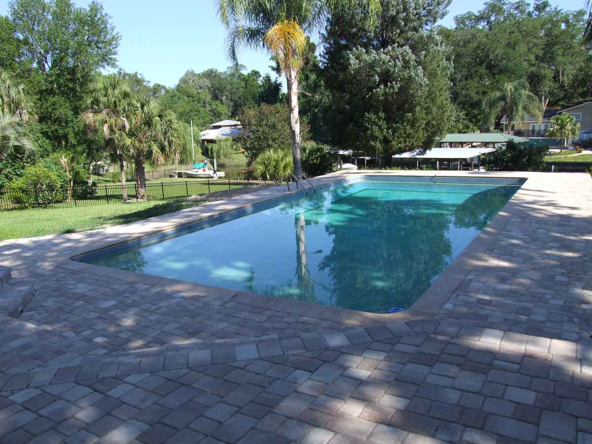 Commercial pool company parry pools of jacksonville for Residential swimming pool